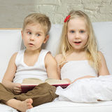 Surprised children, cute boy and girl Royalty Free Stock Photos
