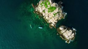 surr 4K; Cirkla ovanför hajön, Koh Tao, Thailand stock video