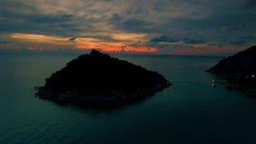 surr 4K; Koh Nang Yuan solnedgångpanna, Thailand arkivfilmer