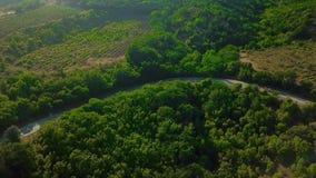 Surr synar sikten - spolningsväg från passerandet för det höga berget till Krim Tur för stor väg lager videofilmer