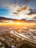 Surra den flyg- sikten av den Kaunas staden i kall vintermorgon arkivfoto