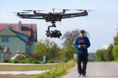 Surra det obemannade helikopterflyget, pilot- flygsurr Arkivbilder