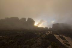 Surreal mening over de bovenkant van Onderstel Roraima onder de mist Royalty-vrije Stock Afbeelding