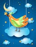 Surreal nacht met het hangen van wolk en vogel Royalty-vrije Stock Foto's