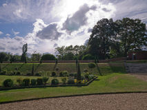 Surreale Gartenhampton court lizenzfreie stockbilder