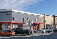 SURREY, CANADÁ - 10 de febrero de 2019: Centro comercial de la tienda del añil o plaza de compras en la vecindad de Sunnyside fotografía de archivo libre de regalías