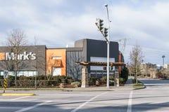 SURREY, CANADÁ - 10 de febrero de 2019: Centro comercial de la tienda de la marca o plaza de compras en la vecindad de Sunnyside fotografía de archivo