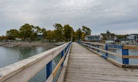 SURREY, CANADA - 27 octobre 2018 : Secteur de parc de Crescent Beach Pier Blackie Spit à la baie de frontière photo libre de droits
