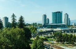 Surrey Kanada September 5, 2018: Moderna byggnader och större Vancouver för infrastrukturstadsmitt område arkivbilder