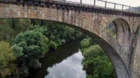 Surrflyg under forntida roman viadukt lager videofilmer
