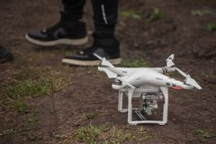 Surrhelikoptern med den digitala kameran Royaltyfria Bilder