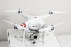 Surrquadrocopter Arkivfoton