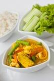surt kryddigt thai för longbean havs- soup Arkivfoto
