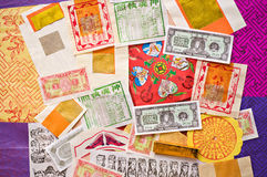 Surtido colorido de papel del ídolo chino Foto de archivo