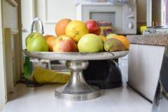 Surtido de frutas enteras frescas Imágenes de archivo libres de regalías