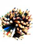 Surtido de lápices coloreados multi en blanco Foto de archivo libre de regalías