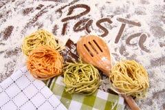 Surtido de pastas italianas coloreadas Imagen de archivo