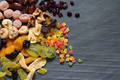 Surtido mezclado secado escarchado de frutas exóticas fotos de archivo
