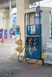 Surtidor de Bangkok, de Tailandia, de abril 27,2018, de gasolina o bocas en gas u oi fotografía de archivo
