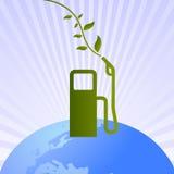 Surtidor de gasolina limpia verde en el mundo Imágenes de archivo libres de regalías