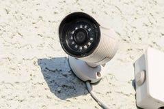 Surveillance d'appareil-photo de rue Rue de télévision en circuit fermé images stock