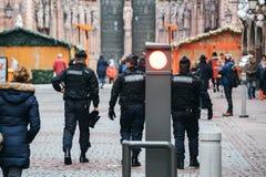 Surveillance de centre de la ville de Strasbourg après attaque terroriste images stock