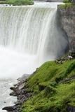 Surveillance de touristes Niagara Falls Ontario Image stock