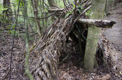 Survie de région sauvage - huttes de saletés photographie stock