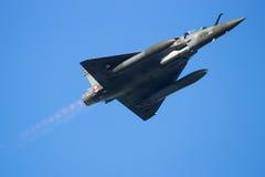 Survol 2000 d'avion de chasse de mirage Photo stock