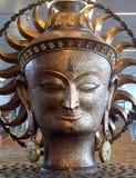 Surya, het grote gouden standbeeld in internationale Luchthaven van Delhi royalty-vrije stock afbeelding