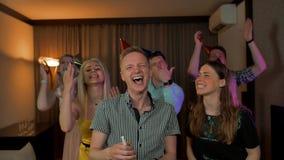 Sus amigos que dicen enhorabuena a usted metrajes