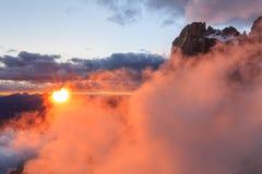 Suset在白云岩阿尔卑斯,意大利 图库摄影