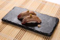 Sushi Aburi Akami (in Brand gesetzter Thunfisch) Stockbild