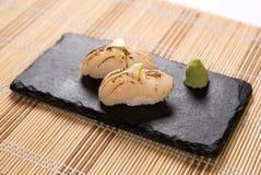 Sushi Aburi Nama Hotate (in Brand gesetzte frische Kamm-Muschel) Lizenzfreie Stockbilder