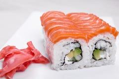 Sushi ajustado com salmões Fotografia de Stock Royalty Free