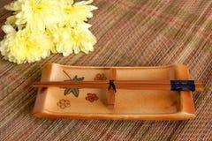 Sushi ajustado na esteira de bambu Imagens de Stock Royalty Free