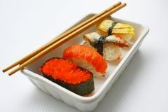 Sushi & Eetstokjes royalty-vrije stock fotografie