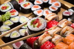 Sushi assorti lizenzfreie stockbilder