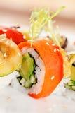 Sushi auf der Platte lizenzfreie stockbilder