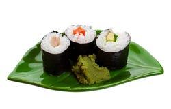Sushi auf einem Blatt Stockfotos