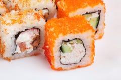 Sushi auf einem hellen Hintergrund, Nahaufnahme Stockbilder