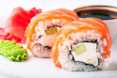 Sushi auf einer Platte Stockbild