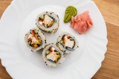 Sushi auf Weiß lizenzfreies stockbild