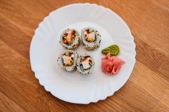 Sushi auf Weiß stockbilder