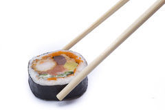 Sushi avec des baguettes Image libre de droits