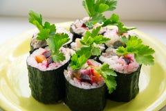 Sushi avec des légumes Image stock
