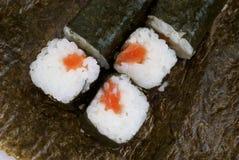 Sushi avec des saumons Photographie stock