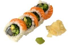 Sushi avec du gingembre et le wasabi saumonés Image libre de droits