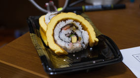 Sushi avec l'oeuf de petit pain Photo libre de droits