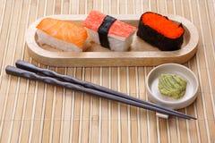 Sushi avec le wasabi image libre de droits